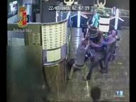 Prima gli insulti razzisti poi il pestaggio di un vigilante: arrestato il branco