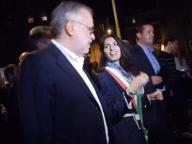 Marcia deportati, Riccardi «riprende» Raggi: «Non si chiacchiera»
