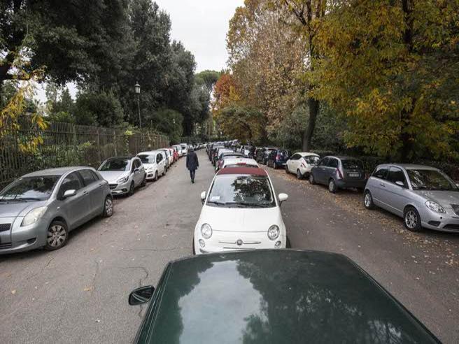 Villa Borghese:  in due  minuti diventa un parcheggio Timelapse