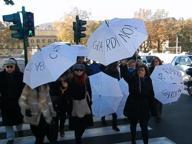 Via Giulia, la protesta dei residenti e commercianti contro il degrado