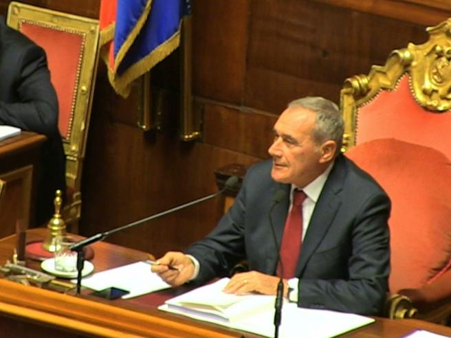 Il grillino: «Grazie comandante»Il disappunto di Grasso: «Non comando nulla»