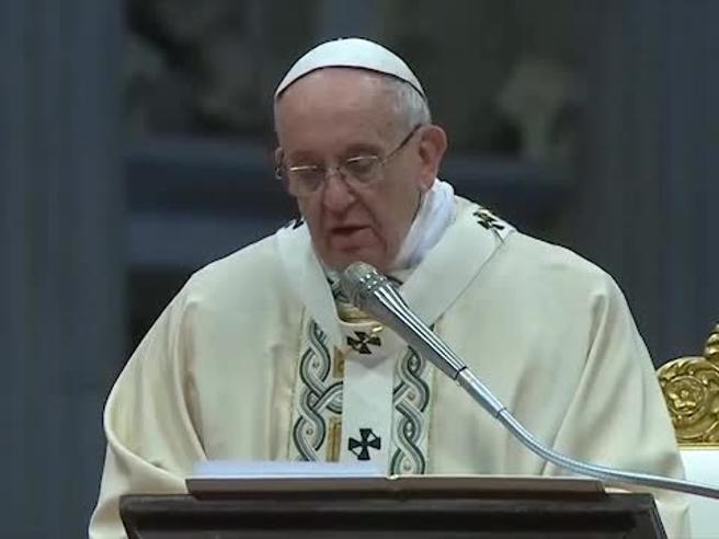Il Papa alla  Messa dell'Epifania  dice «nostalgioso» Guarda il video