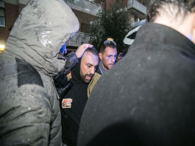 Aggressione a Ostia, Roberto Spada  in carcere per lesioni con aggravante metodo mafioso. Si cerca un complice
