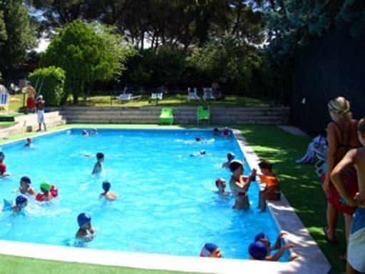Da 8 a 85 euro piscine d estate tra low cost e lusso for Centro sportivo le piscine