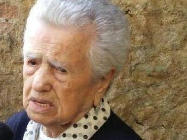 Compie 106 anni la sora lella di piglio cucina e va a for Expert napoli di lella